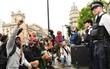 Hàng chục nghìn người Anh biểu tình chống bạo lực và phân biệt chủng tộc