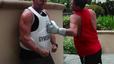 Thử thách cực thốn: Ăn đấm của nhà vô địch boxing thế giới