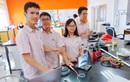 4 học sinh Việt Nam giành giải vàng cuộc thi khoa học của Cambridge