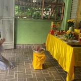 Một gia đình nấu 300 phần cơm mỗi ngày tiếp sức BV Bệnh Nhiệt đới: Bao giờ gỡ phong tỏa, chị mới ngừng nấu cơm - ảnh 2