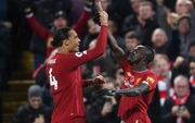 """Nghiền nát Man City trong trận """"chung kết mùa giải"""" đầy tranh cãi, Liverpool bỏ xa đối thủ tới 9 điểm và tiếp tục cô độc trên đỉnh BXH"""