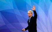 """Tim Cook khoe mặt nạ chống dịch """"Designed by Apple"""", cho biết đã dự trữ được 20 triệu khẩu trang"""