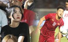 Bạn gái xinh như hot girl tới dự khán, tiếp lửa cho Đức Chinh trong ngày ghi bàn cho U22 Việt Nam