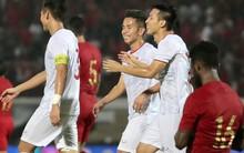 Sút trượt penalty, tiền vệ tuyển Việt Nam vẫn tươi cười ăn mừng cùng đồng đội