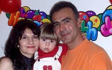 Quá đau lòng sau khi con trai chết vì bệnh ung thư, đôi vợ chồng để lại 13 trang thư tuyệt mệnh rồi cùng treo cổ tự vẫn
