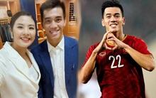 Cầu thủ Tiến Linh lần đầu mặc vest lịch lãm, khác hẳn hình ảnh trên sân cỏ bên cạnh Hoa hậu Ngọc Hân