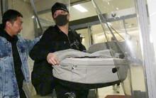 Phùng Thiệu Phong lần đầu xuất hiện tại bệnh viện, mang theo nôi chuẩn bị đón Triệu Lệ Dĩnh và quý tử về nhà