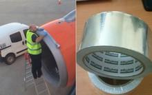 """Có thể bạn không tin nhưng phần lớn các hãng máy bay đều dùng băng keo để """"vá"""" những lỗi nhỏ trên thân máy bay đó!"""
