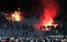 Những thảm họa pháo sáng kinh hoàng nhất lịch sử bóng đá: Những quả pháo là một nguyên nhân gây ra cái chết của 74 người