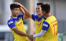"""Đức Chinh và Văn Thanh gây chú ý với """"kiểu tóc song sinh"""" khiến đồng đội ở tuyển Việt Nam thích thú"""