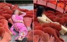 """Khoảng sân xếp đầy hương bị 2 người phụ nữ nằm đè lên chụp ảnh, dân mạng chán ngán: """"Mặc áo dài mà không có chút duyên nào"""""""