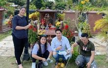 NSND Hồng Vân, diễn viên Minh Luân viếng mộ cố nghệ sĩ Anh Vũ vào ngày mùng 5 Tết: Người đi rồi nhưng cái tình còn mãi!