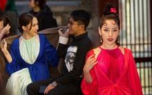 Hương Giang - Matt Liu tình tứ chiếm spotlight, dàn người đẹp Vbiz đọ sắc trên thảm đỏ show diễn Đào của NTK Adrian Anh Tuấn