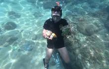 """Gặp anh """"giám đốc mê nhặt rác"""" ở Đà Nẵng: 10 năm dọn vệ sinh không công dưới đáy biển"""