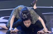 Trấn Thành dũng cảm trổ tài hít đất, cõng cả Hari Won rồi nhận cái kết đắng