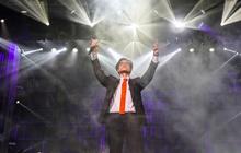 """Hà Anh Tuấn bật khóc nức nở trước 2000 khán giả, quyết định dành tặng 1,5 tỉ đồng cho dự án """"Rừng Việt Nam"""" tại concert """"Truyện Ngắn"""""""