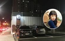 Độc quyền từ Hàn Quốc: Trụ sở SM vắng tanh, các cửa ra vào đóng kín sau tin Sulli qua đời
