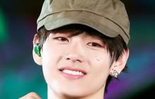 """V (BTS) bất ngờ xuất hiện trên sân khấu concert với một chiếc """"tattoo"""" mới, bất ngờ tạo trend khi fan rần rần cheap moment"""