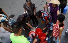 Hà Nội khuyến cáo người dân không sử dụng nguồn nước sông Đà để ăn uống
