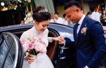 """Hot nhất hôm nay là câu nịnh vợ của hậu vệ tuyển Việt Nam: """"Bali rất xinh đẹp nhưng không bằng vợ anh"""""""