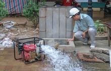 Clip: Hà Nội bắt đầu súc xả, thau dọn các bể nước sau sự cố nhiễm bẩn