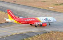 """Nhân viên sân bay Tân Sơn Nhất lái xe bán tải """"tạt đầu"""" máy bay khiến phi công """"thót tim"""""""