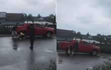 Tạm giữ cựu cán bộ công an dùng kéo đe doạ, đánh vợ cũ gây thương tích