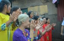 Ngày 20/10 đặc biệt của những phận người phụ nữ nghèo khổ trong xóm trọ tồi tàn ở Hà Nội