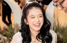 """Linh Ka đạt 1 triệu người theo dõi trên Instagram, chính thức ra nhập """"club triệu follow"""" cùng Chi Pu, Châu Bùi, Trang Lou"""