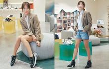 Song Hye Kyo trẻ trung như gái đôi mươi, gây thiện cảm khi tự thiết kế giày ủng hộ quỹ từ thiện