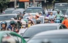Ảnh, clip: Rào chắn nửa đường Kim Mã để thi công metro Nhổn - ga Hà Nội, giao thông hỗn loạn