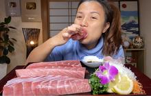 Bá đạo như Quỳnh Trần JP: Ăn cả tảng cá ngừ vây xanh khiến dân tình vừa nuốt nước miếng vừa bái phục