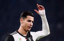 Biến căng: Bị thay ra giữa chừng, Ronaldo rời khỏi sân khi trận đấu chưa kết thúc, quên luôn hành động quen thuộc trên trang cá nhân