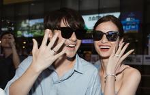 Vợ chồng son Đông Nhi và Ông Cao Thắng rạng rỡ khoe nhẫn cưới, tay trong tay đáp chuyến bay trở về sau hôn lễ thế kỷ tại Phú Quốc