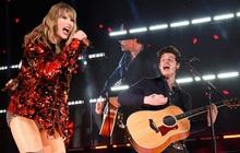 """Đều có người thương hết cả rồi, ấy thế mà Taylor Swift và Shawn Mendes lại bất ngờ hát """"Lover"""" cùng nhau ngọt ngào thế chứ lại!"""