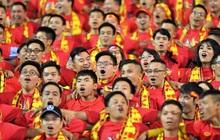 """""""Chảo lửa"""" Mỹ Đình ngập tràn sắc đỏ, hàng vạn CĐV bùng nổ sau bàn mở tỷ số của tuyển Việt Nam!"""