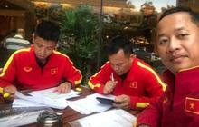 11 tiếng trước giờ đấu UAE, các trợ lý tuyển Việt Nam miệt mài phân tích đối thủ
