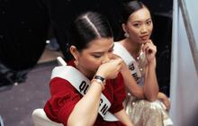 """Không dám khóc vì sợ """"về nhà đi con"""", nữ thí sinh vẫn bị loại tại """"Hoa hậu Hoàn vũ VN"""""""