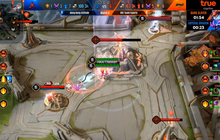 HongKong Atitude tái hiện pha backdoor thần thánh của OverClockerS, tạo nên ván đấu hấp dẫn nhất Liên Quân thế giới