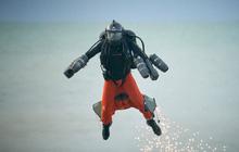 Iron Man ngoài đời thật: Người đàn ông phá kỷ lục tốc độ bay bằng bộ trang phục cá nhân, lên tới gần 140km/h