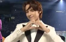 Mỹ nam TXT được đàn anh BTS truyền lại cách bắn tim thả thính fan cute khó cưỡng