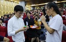 Fan meeting Siêu trí tuệ: Tuyển thủ Nhật Bản khoe tài xoay rubik bằng thời gian uống hết 1 ly trà sữa