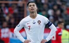 """Ronaldo than khổ sau khi phải thi đấu trên """"ruộng khoai"""": Tôi thật sự chẳng biết phải đá ra sao với mặt sân như vậy!"""