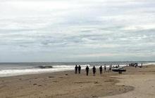 Nhóm học sinh lớp 8 rủ nhau tắm biển, 2 nam sinh chết đuối, 1 người mất tích