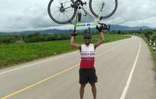 Fan Thái Lan chơi lớn, đạp xe hơn 1400 cây số đến Mỹ Đình cổ vũ đội tuyển