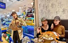 Đến chợ hải sản lớn nhất Seoul ăn cua hoàng đế mà mải mặc cả quá, mãi sau Kỳ Duyên mới phát hiện ra chú cua đã bị rụng mất một chân
