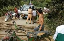Sơn La: Một số đối tượng quá khích dùng cây gỗ và xe máy chặn đường cảnh sát giao thông