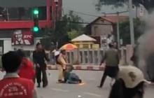 Vụ xe Mercedes gây tai nạn liên hoàn rồi bốc cháy: Một chiến sĩ CSGT cứu sống tài xế GrabBike bị lửa bén vào người