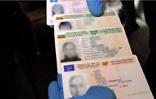 Bulgaria phá vỡ đường dây làm hộ chiếu quốc tế giả