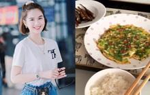 Khoe cơm trưa trên Instagram, Ngọc Trinh khiến hội ghét ăn hành hoang mang tột độ vì không hiểu đây là món trứng chiên hành hay hành chiên trứng nữa